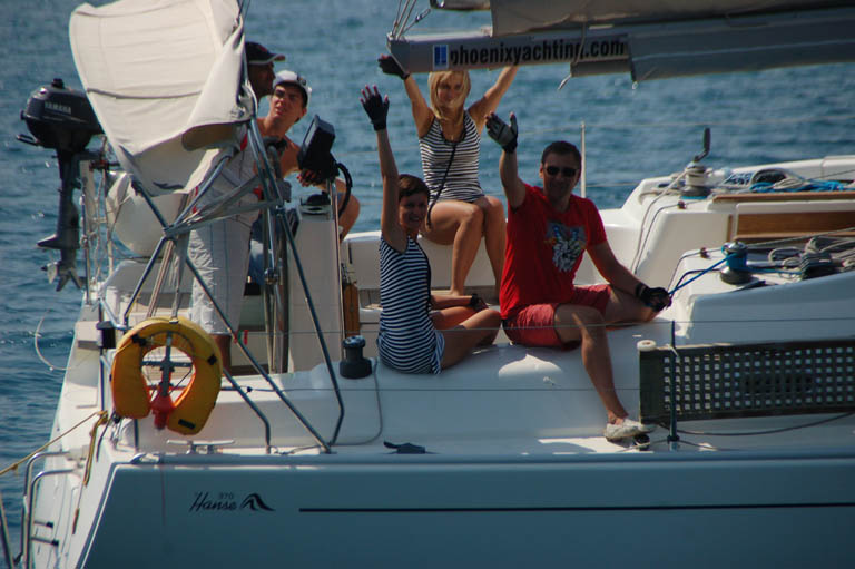 http://funsailing.ru/PhotoGallery/S_F_T_2010/Sail_and_Fun_Trophy_2010_7.jpg